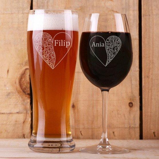 Kieliszek do wina i szklanka do piwa - prezent na ślub