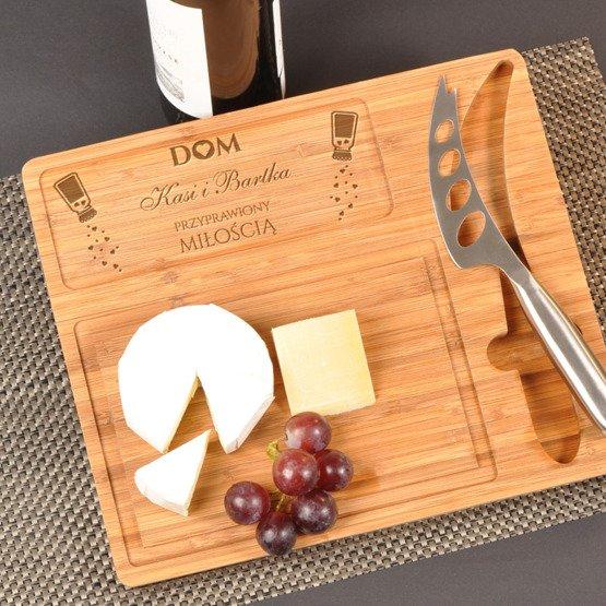 Deska kuchenna z nożem- Dom przyprawiony miłością