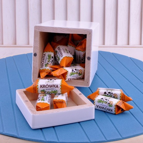 Drewniane pudełko z krówkami - Folklor