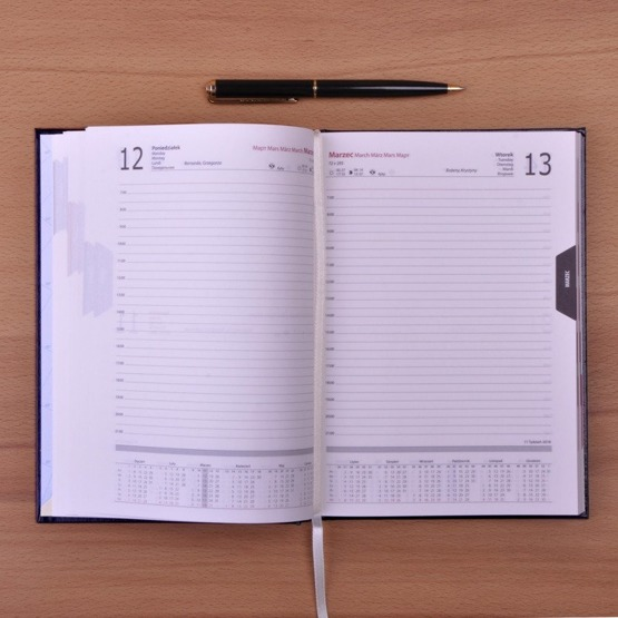 Kalendarz z nadrukiem- Monogram kwiatki + imię
