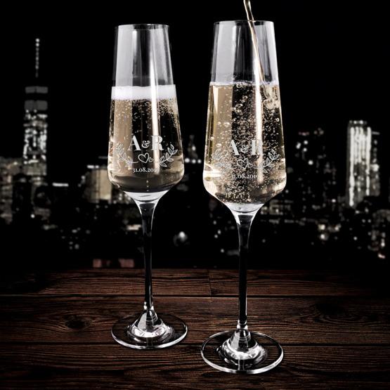 Kieliszki do szampana z okazji ślubu - serduszko