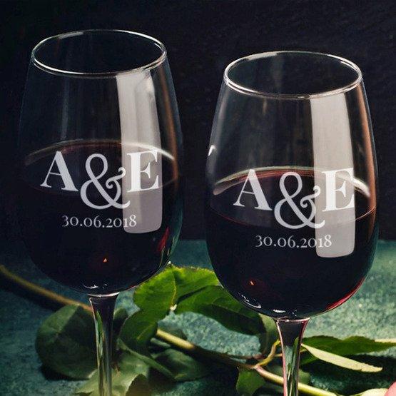 Kieliszki do wina dla pary młodej