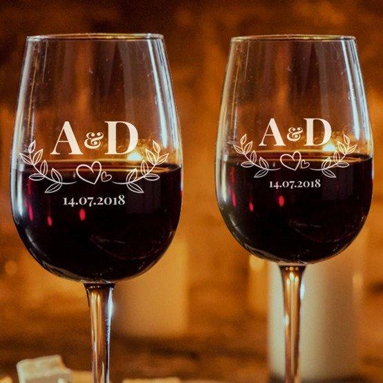Kieliszki do wina - inicjały
