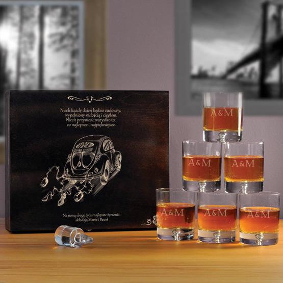 "Komplet sześciu szklanek w  pudełku z grawerem- ""Garbus"""