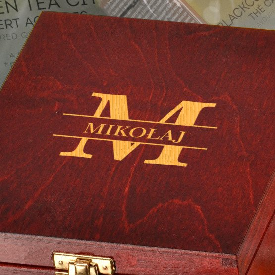 Pudełko z herbatą Lipton- Monogram